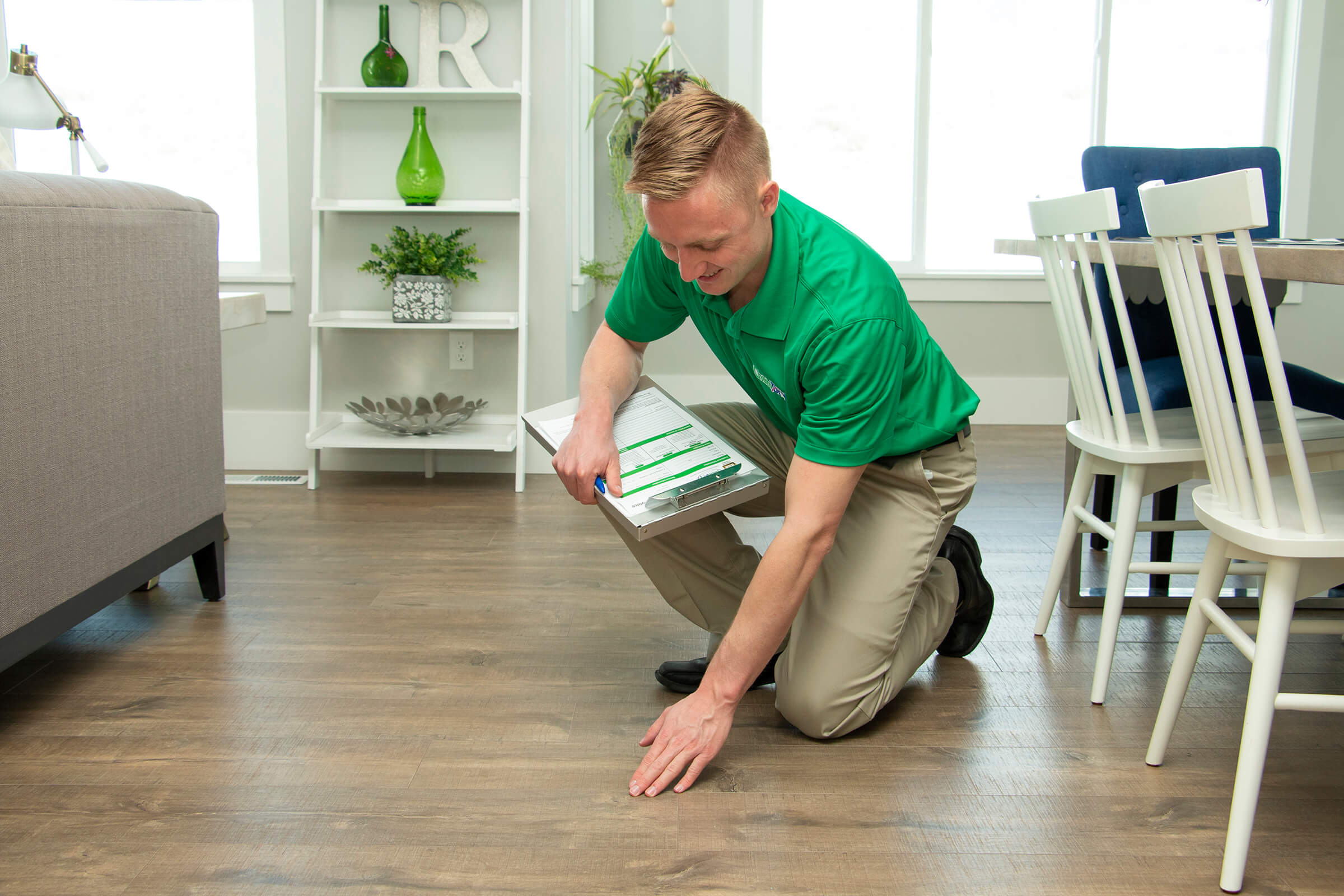 Chem-Dry tech cleaning wood floor in Minneapolis
