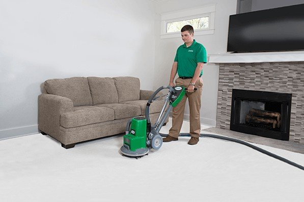 tech performing carpet cleaning maple grove mn